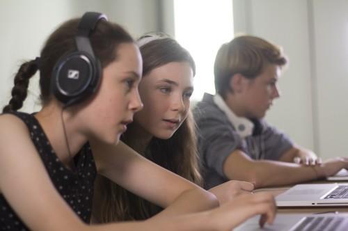 CTA Girls and Boy on laptop